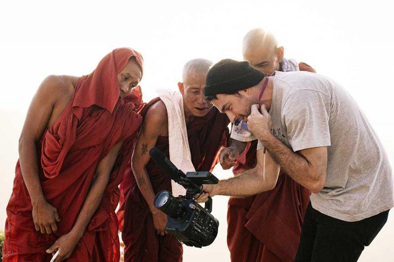 Abes teigt Mönchen seine Video Aufnahmen