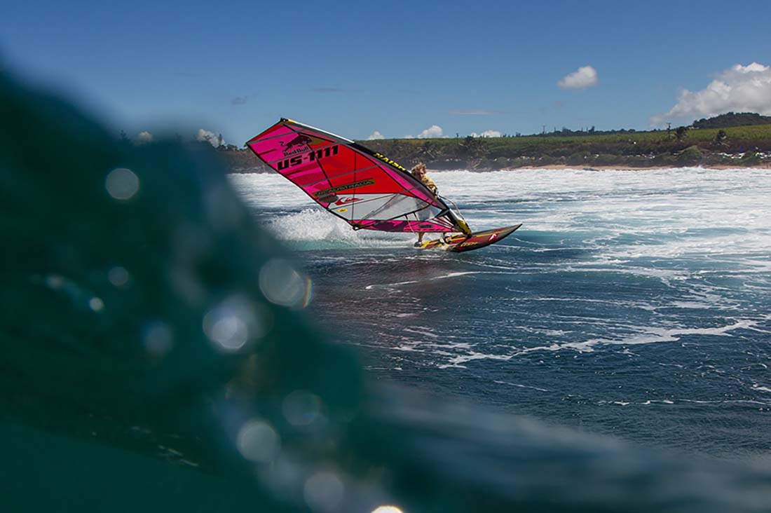 Robby surft Hookipa
