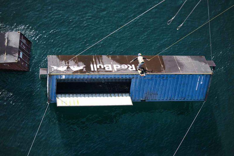 Felix Georgii slidet den Container