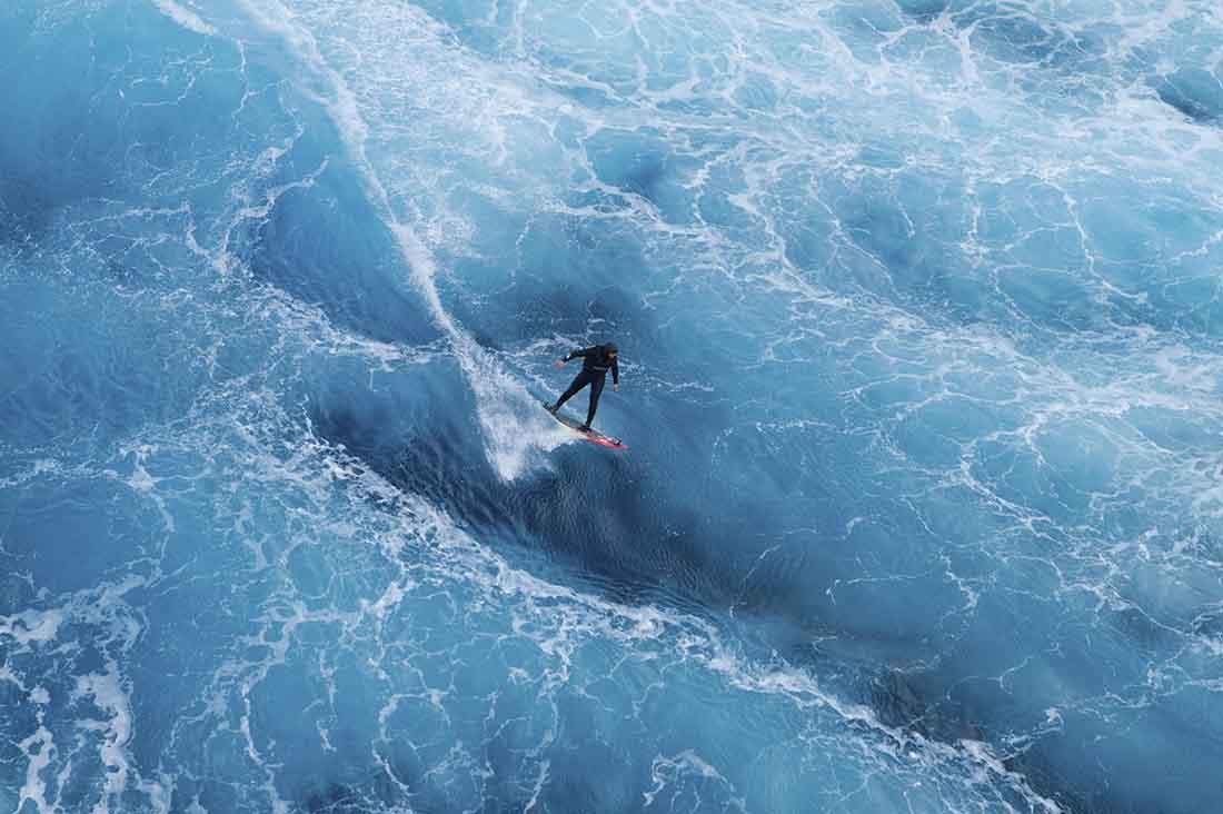 Ross Clarke Jones surft Turtle Dove Shoal in Australien